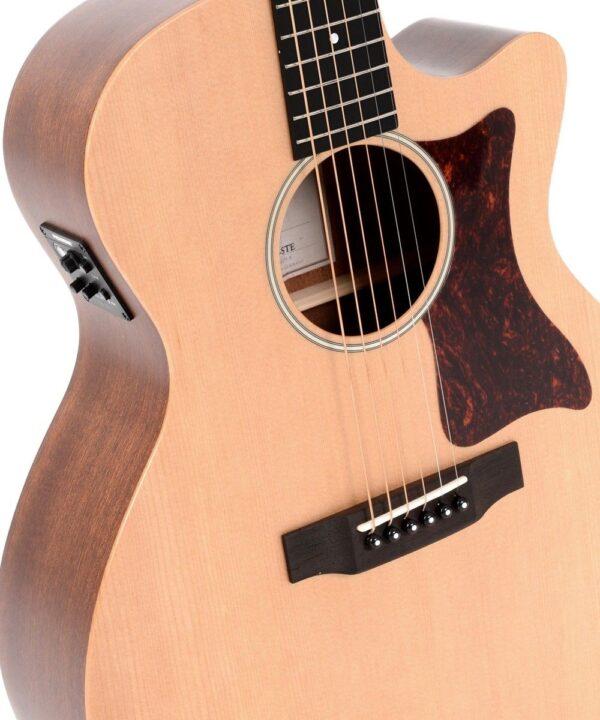Guitarra electroacústica Sigma GMC-STE+ vista ampliada